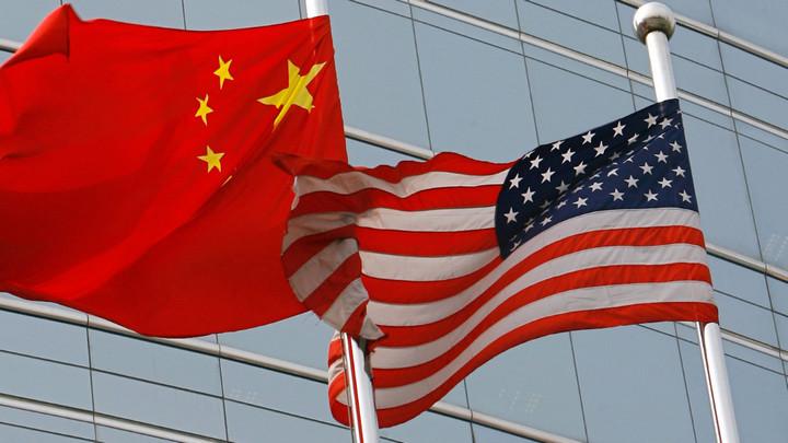 """Trung Quốc cáo buộc Mỹ """"phân biệt chủng tộc"""" khi hủy visa của hàng ngàn sinh viên nước này"""