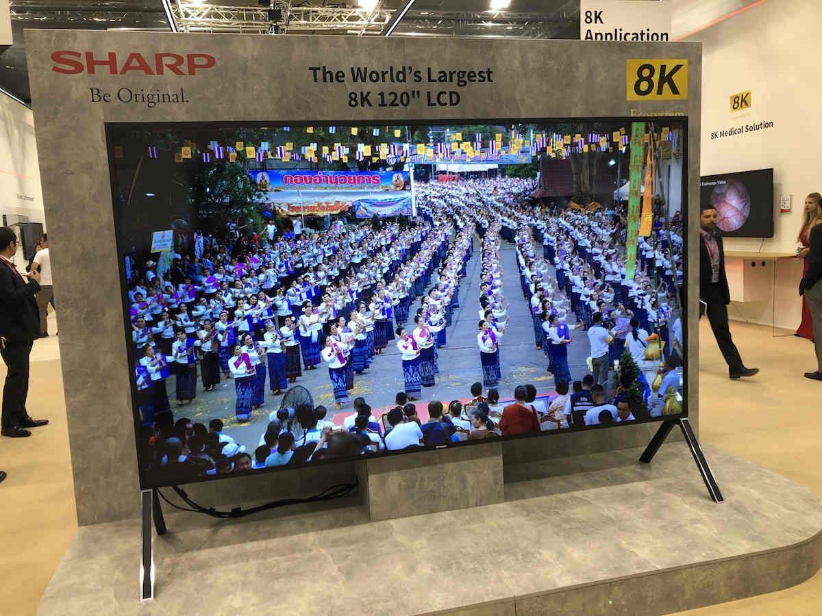 Sharp bán màn hình 8K lớn nhất thế giới giá hơn 3 tỷ đồng