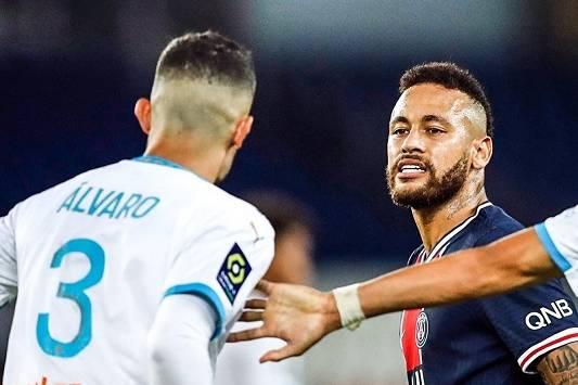 Toàn cảnh màn hỗn chiến với 5 thẻ đỏ ở League 1: Neymar hay Alvaro Gonzalez nói dối?