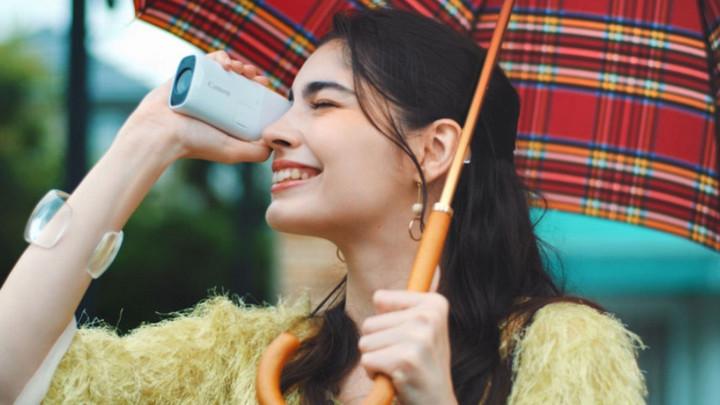 Canon PowerShot Zoom: Chiếc máy ảnh độc lạ trông như thể một chiếc ống nhòm