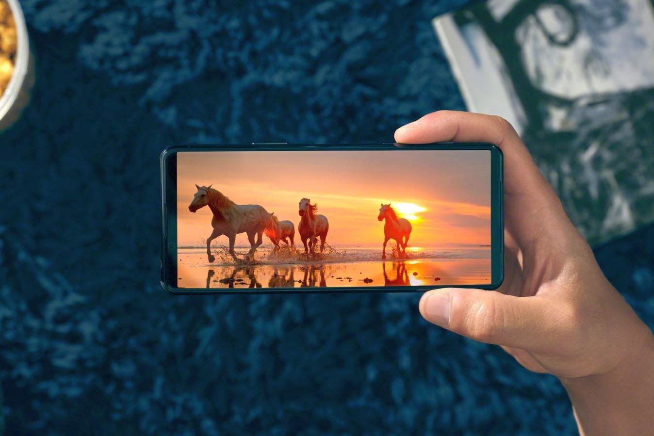 Sony Xperia 5 II ra mắt: màn hình 120Hz, Snapdragon 865, sẽ bán ở Việt Nam vào giữa tháng 11