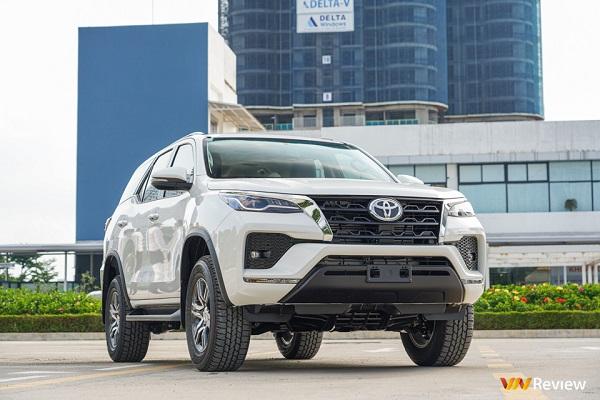 Toyota Fortuner 2020 ra mắt: Tăng trang bị, giá 1,426 tỷ đồng