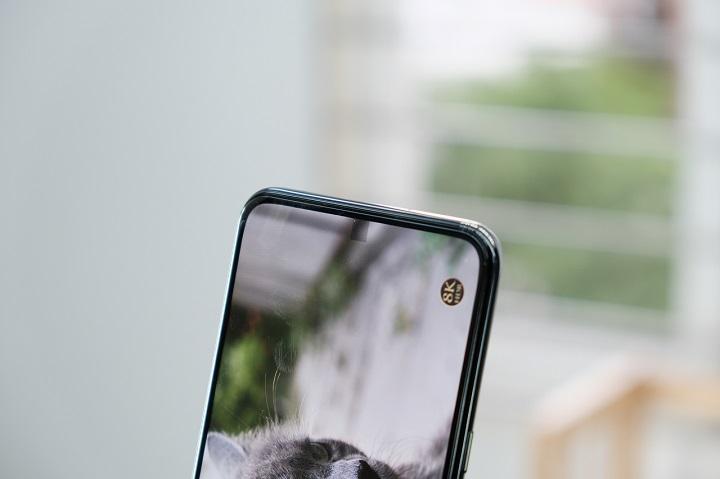 Trải nghiệm thực tế camera selfie ẩn dưới màn hình trên ZTE Axon 20 5G: Đánh đổi quá lớn