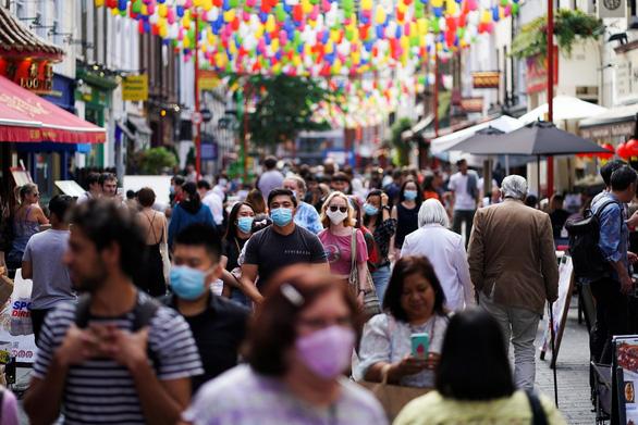 COVID-19 ngày 21/9: Ca bệnh tăng trở lại ở châu Âu