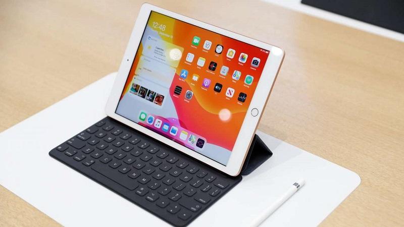 Mở hộp trải nghiệm iPad 8 : Thiết kế cũ và sự nâng cấp hiệu năng cần thiết