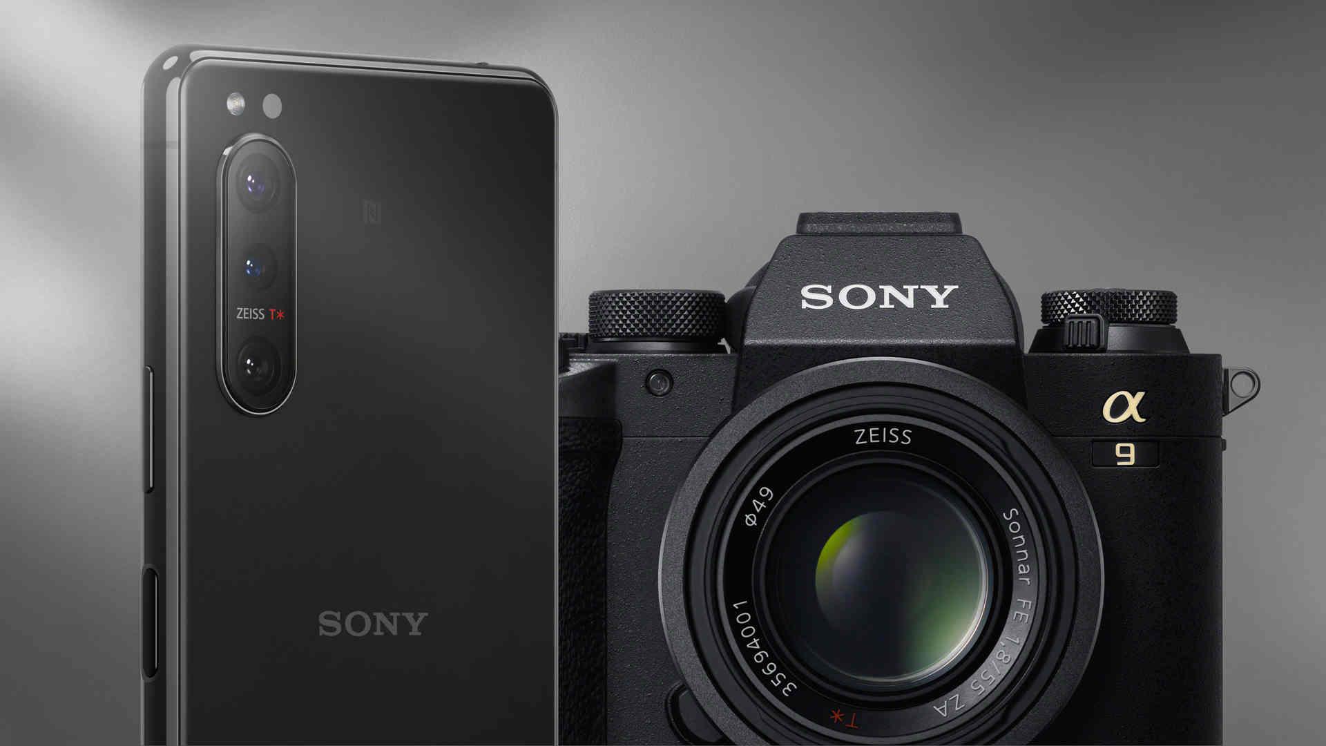 Các hãng máy ảnh Nhật loay hoay sinh tồn giữa làn sóng smartphone