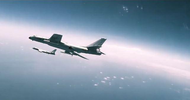 """Video PR cho không quân Trung Quốc bị phát hiện """"vay mượn"""" Transformers, The Rock và Hurt Locker"""