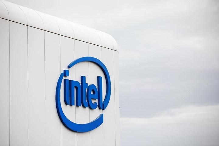 """Mỹ nới lỏng """"vòng kim cô"""", cho phép Intel kinh doanh với Huawei"""