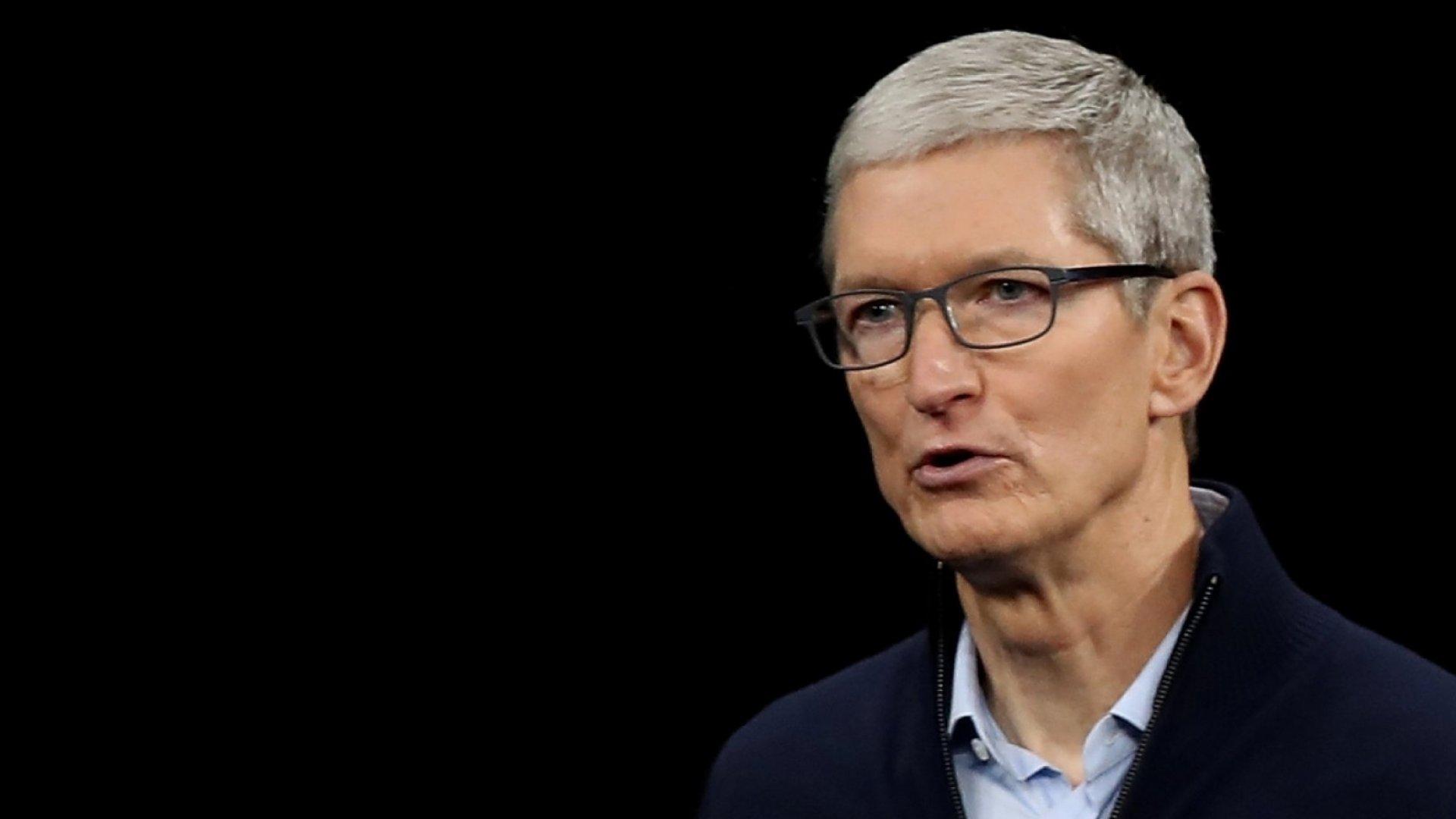 Tim Cook ấn tượng với hiệu suất làm việc từ xa của Apple, nhận thấy những sự thay đổi lâu dài