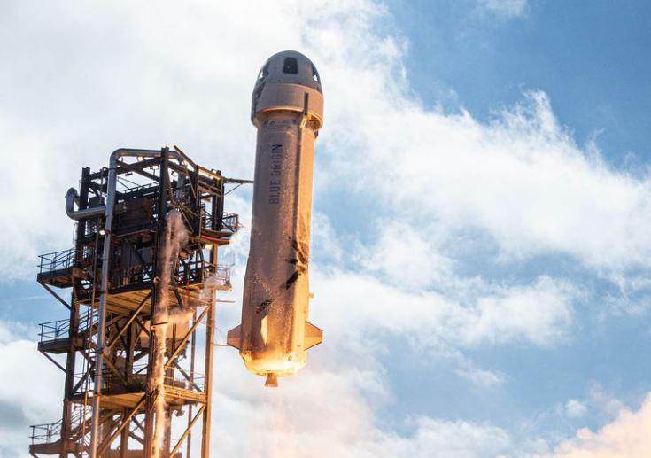 Jeff Bezos hoãn phóng tên lửa nhưng cư dân mạng không ngưng được cười vì một bức ảnh