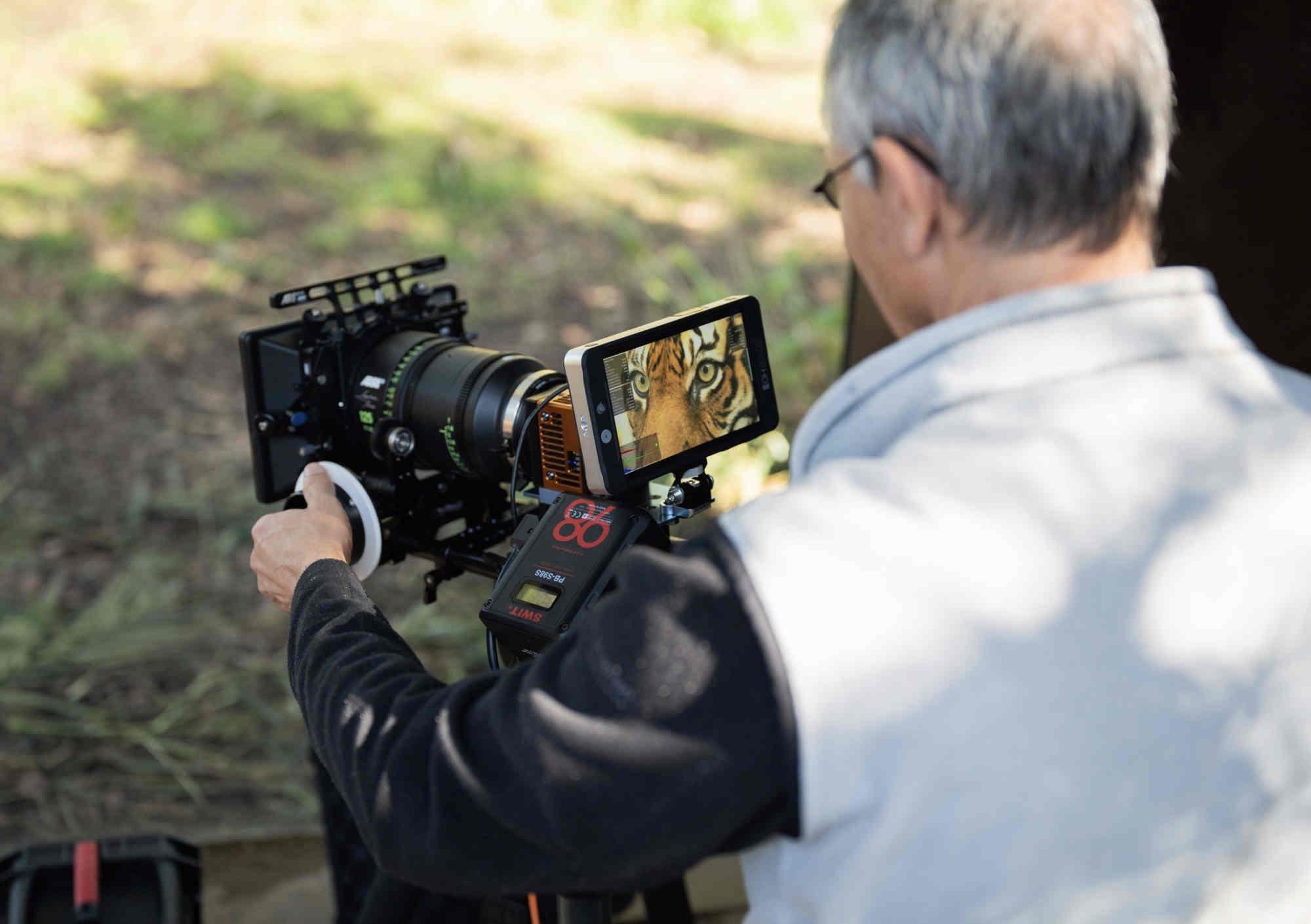 Máy quay phim 18K giá 3,3 tỷ đồng: cảm biến 65MP, quay RAW không nén, 5 quạt tản nhiệt