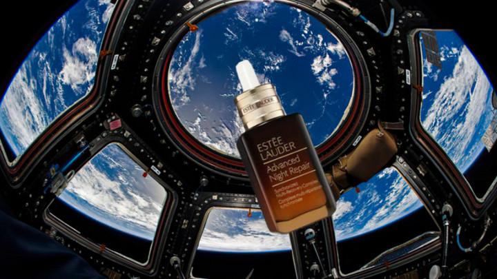Lần đầu tiên có một thương hiệu mỹ phẩm quảng cáo sản phẩm trên trạm vũ trụ ISS