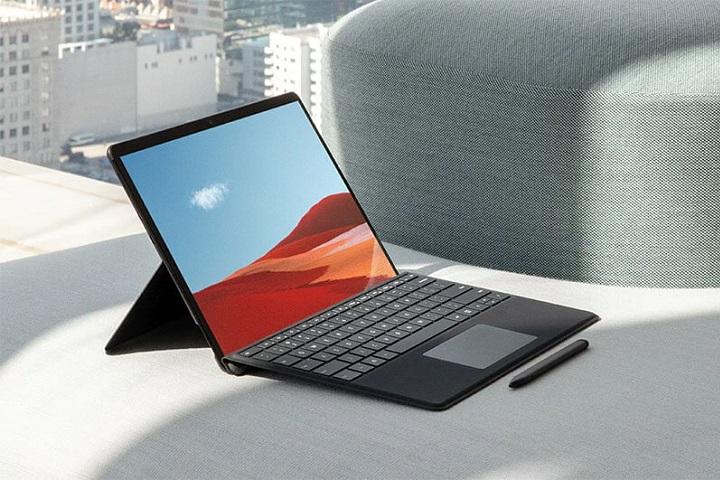 Ngoài Surface Laptop Go, Microsoft còn cập nhật thêm cho Surface Pro X: nâng cấp chip SQ2