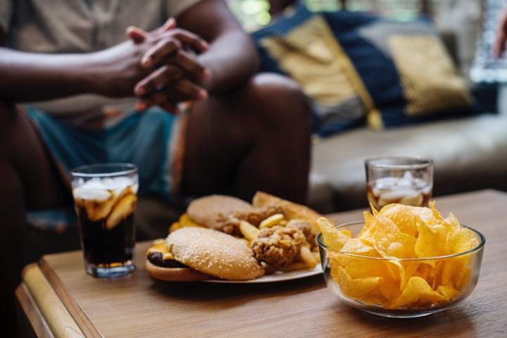 Bộ não dễ dàng ghi nhớ vị trí của đồ ăn vặt hơn là những thực phẩm có lợi cho sức khỏe