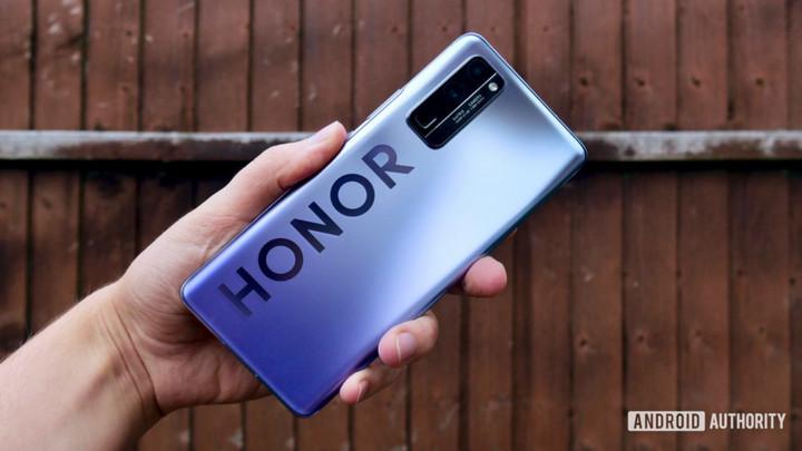 Huawei sẽ bán lại Honor với giá gần 3,7 tỷ USD, Xiaomi, TCL ngỏ ý quan tâm?