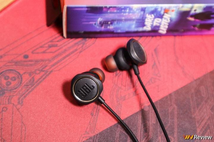 """Đánh giá JBL Quantum 50: tai nghe """"đặc trị"""" cho chơi game sinh tồn trên mobile"""