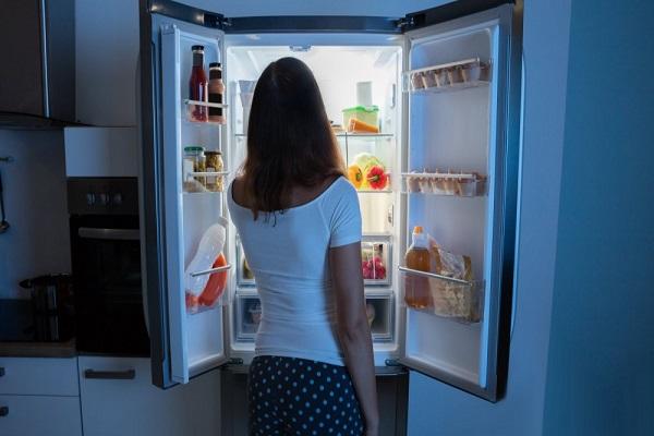 Tại sao dạ dày lại phát ra tiếng kêu khi đói? Nguyên nhân và cách xử lý