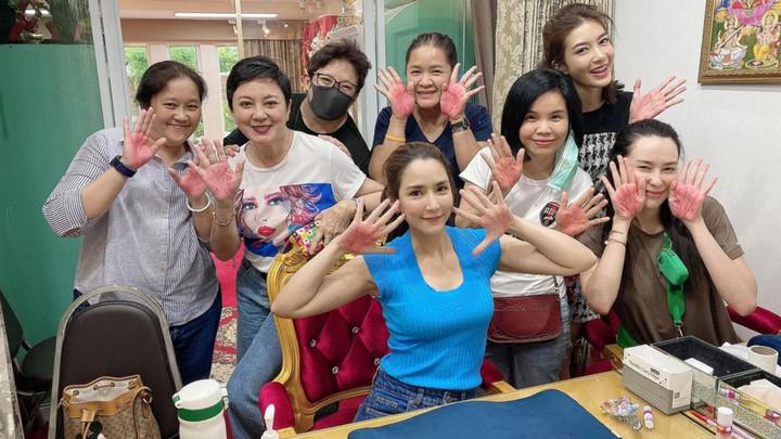 Dịch vụ xăm đường chỉ tay để thay đổi vận mệnh gây sốt ở Thái Lan