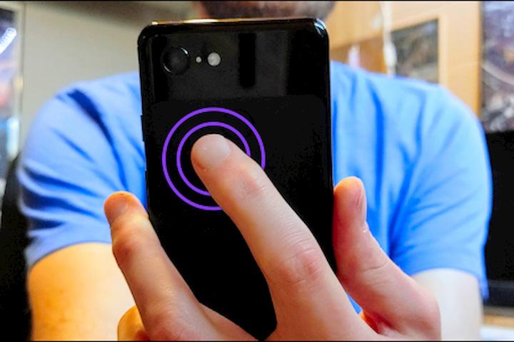 Cách bật đèn flash trên mọi máy Android chỉ với hai lần chạm lên mặt lưng