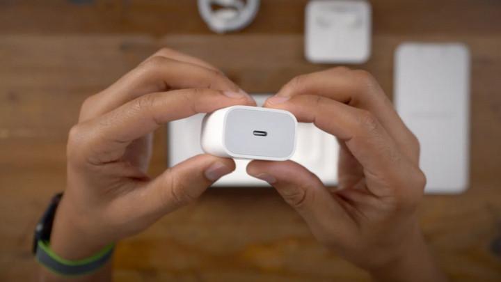 [Góc vì môi trường] Sạc 18W của iPhone 11 Pro Max không sạc nhanh được cho iPhone 12