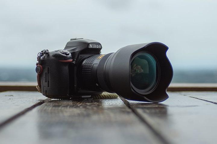 Nhiệm vụ của loa che nắng ống kính là gì? Khi nào nên sử dụng nó?