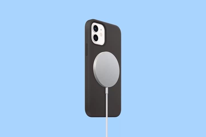 Cùng là hệ sinh thái phụ kiện nam châm, Motorola thất bại nhưng Apple lại đi đúng hướng với MagSafe
