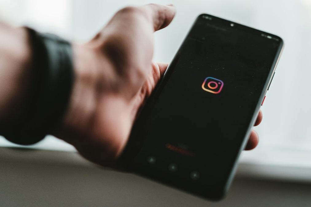"""Vì sao người dùng vẫn luôn tỏ ra """"dễ dãi"""" với Instagram về quyền riêng tư?"""