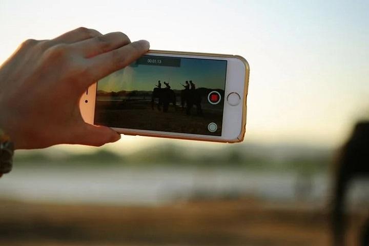 """4 cách để bạn """"đóng"""" watermark chính chủ vào video"""