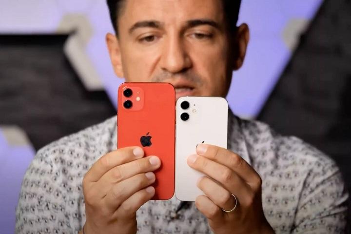 iPhone 12 mini đặt cạnh iPhone 12 mới thấy nó nhỏ thế nào