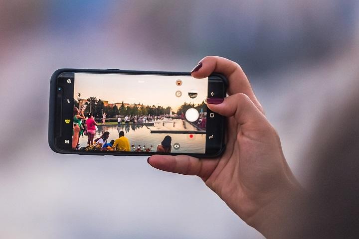 Tại sao ảnh chụp từ smartphone của bạn lại quá tối hoặc quá sáng?