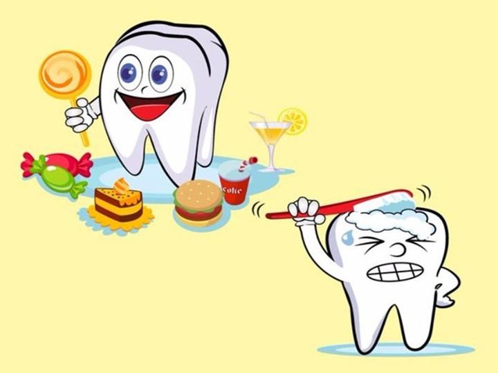 Những thói quen gây hại răng mà bạn không ngờ