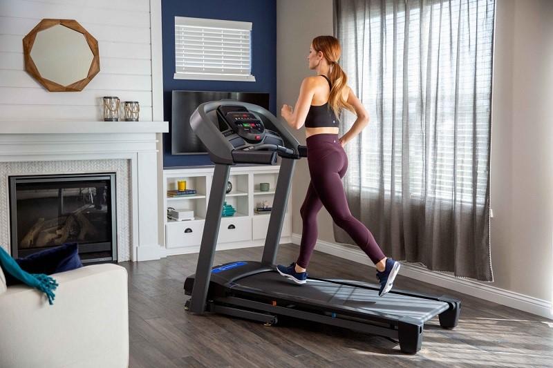 Những sai lầm cần tránh khi chạy máy chạy bộ tại nhà