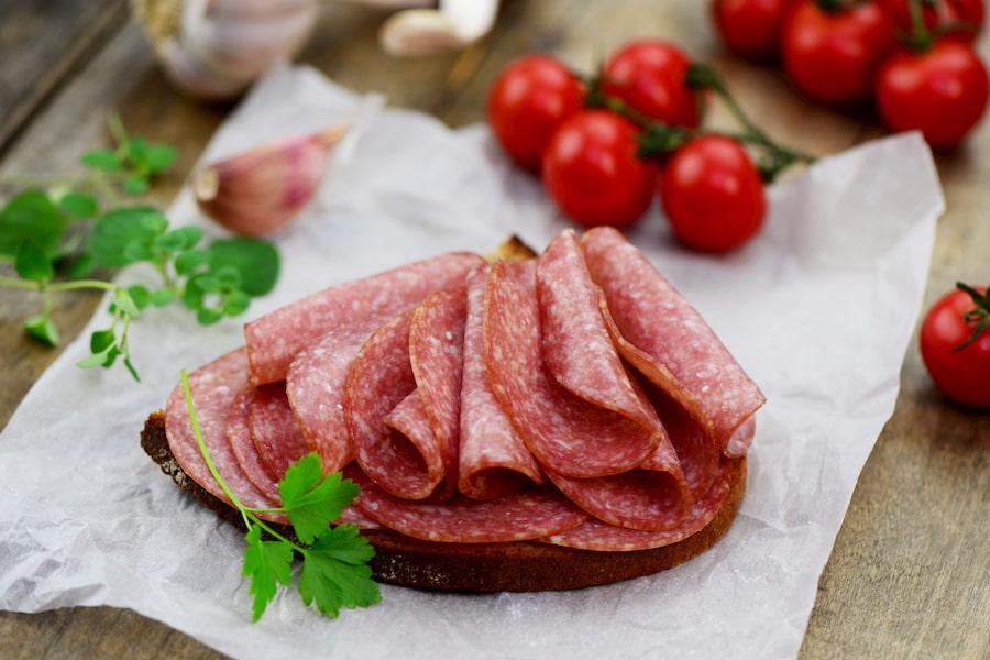 CDC Mỹ khuyến cáo phụ nữ mang thai và người cao tuổi không nên ăn thịt nguội đề phòng bệnh Listeriosis