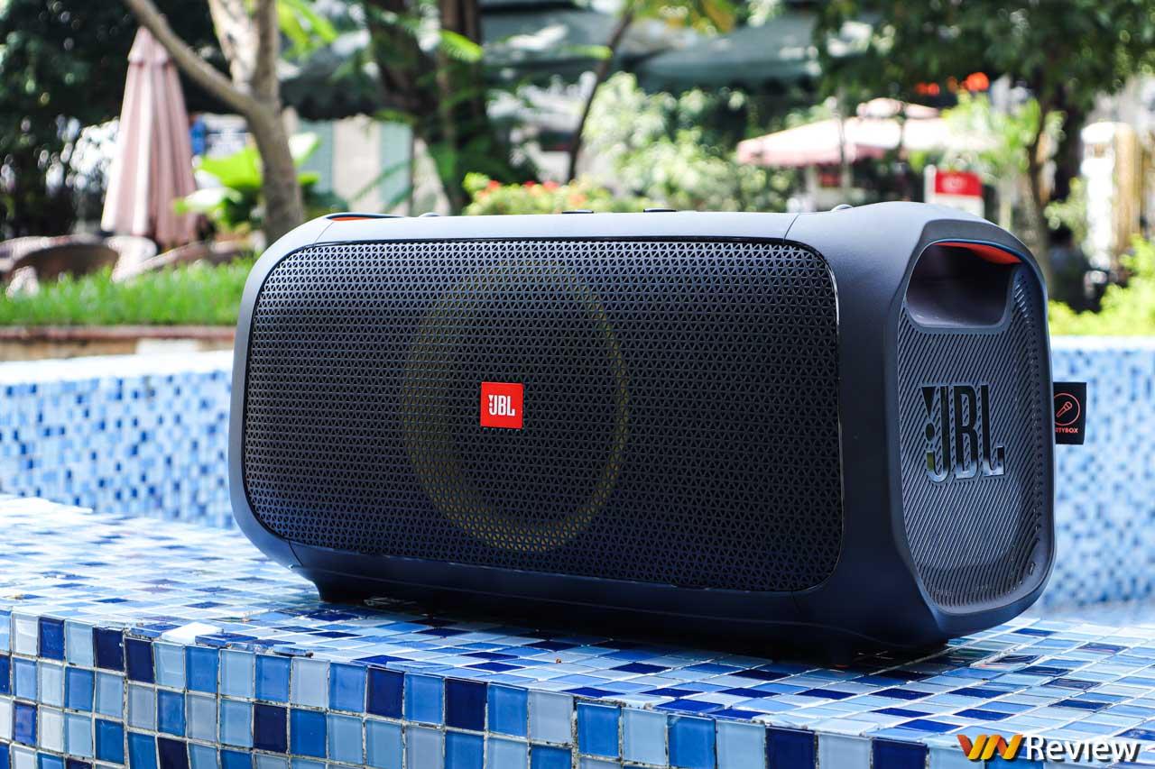 Đánh giá JBL PartyBox On-The-Go: loa karaoke di động