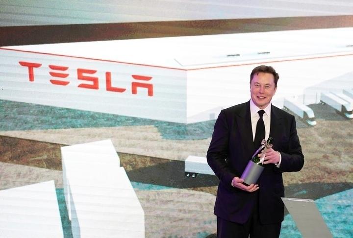 Elon Musk làm xét nghiệm nhanh COVID-19: kết quả 2 lần âm tính và dương tính trong cùng một ngày