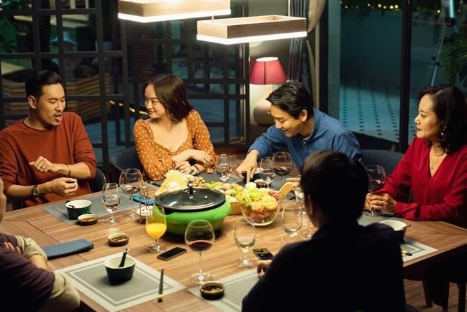 'Tiệc trăng máu' đạt doanh thu 155 tỷ đồng, lập kỷ lục của điện ảnh Việt Nam