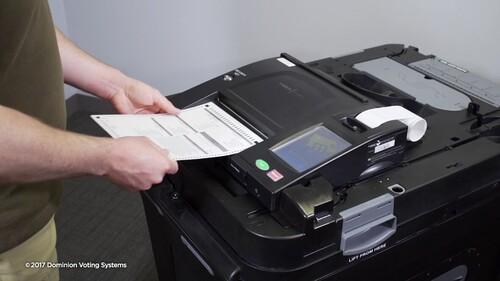 Hệ thống đếm phiếu bầu Dominion có đáng nghi như Tổng thống Trump cáo buộc?