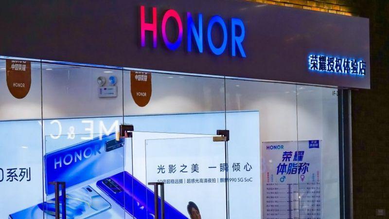 Smartphone Honor chính thức đoạn tuyệt với Huawei để tránh lệnh trừng phạt của Mỹ
