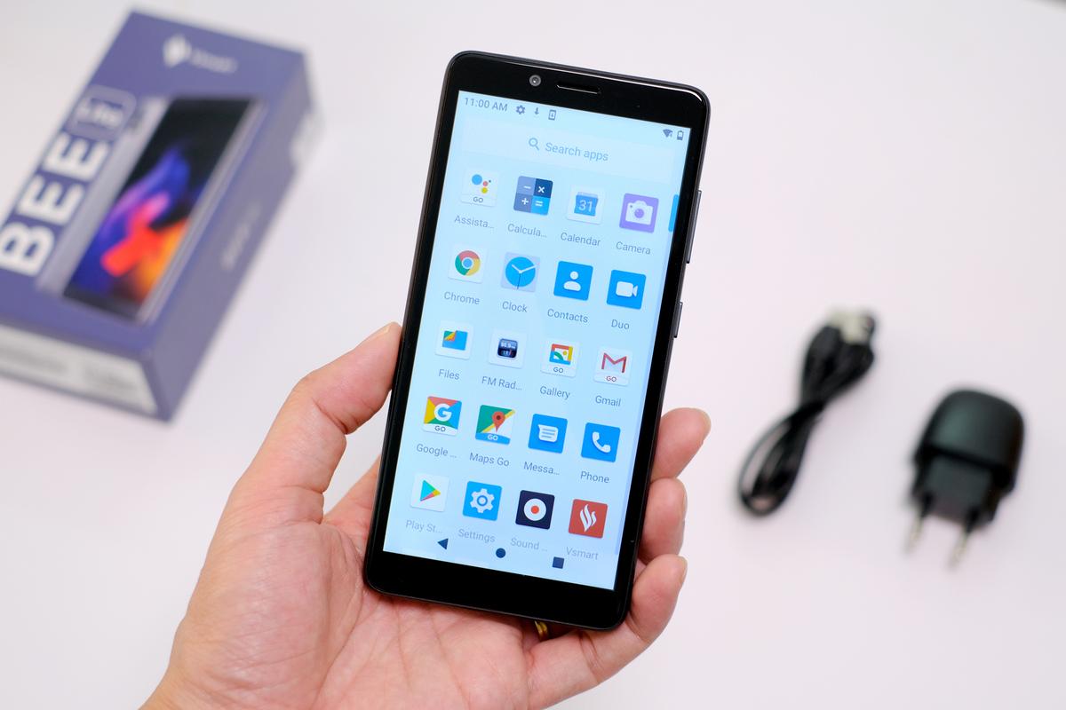 Smartphone giá rẻ: Cơ hội cho ai?