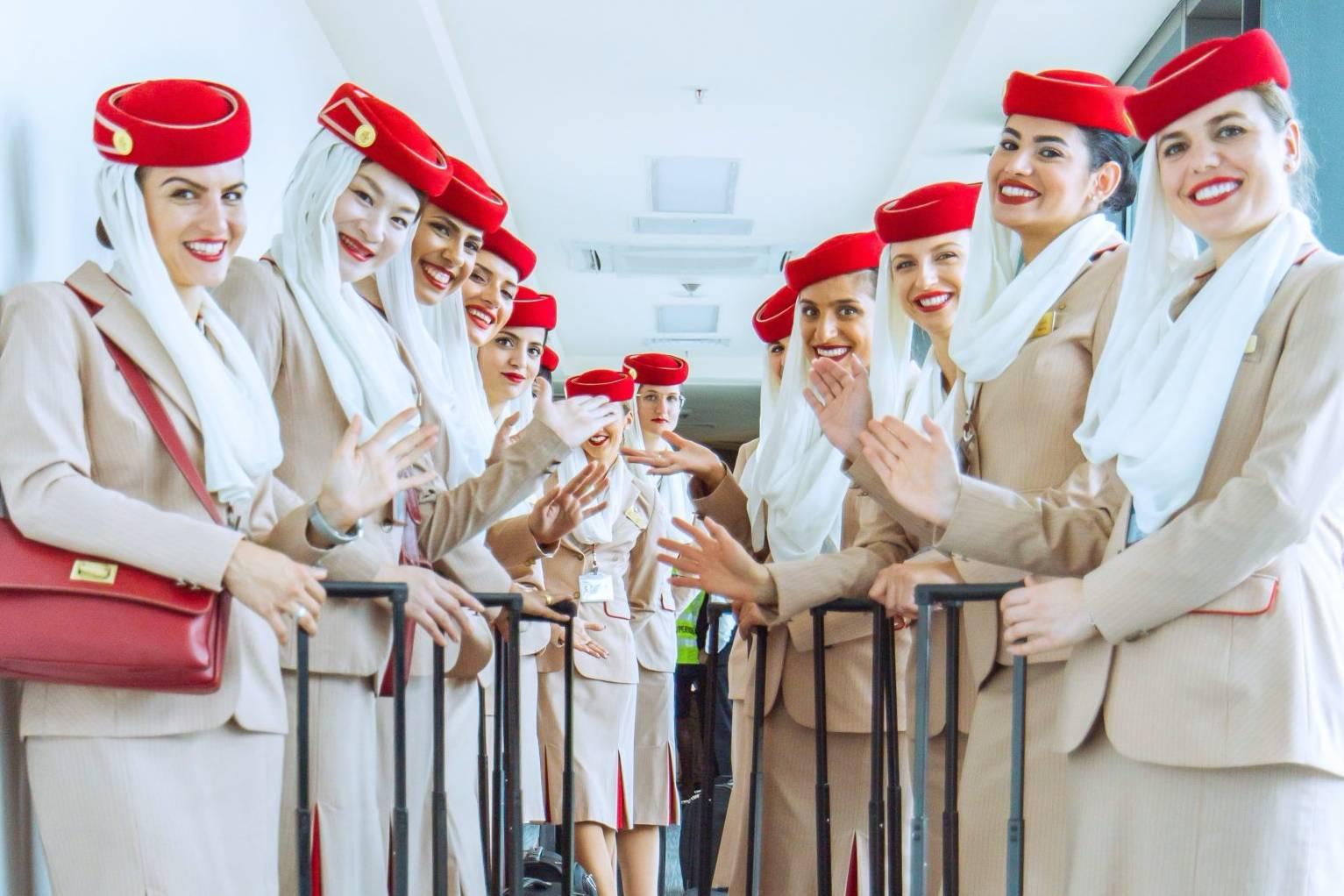 Vì sao tiếp viên hàng không hầu hết là nữ?