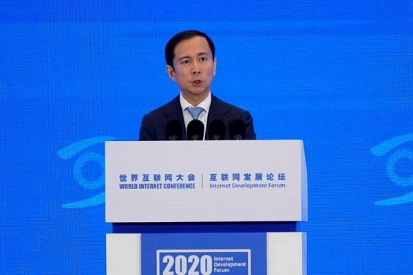 """CEO Alibaba đổi giọng """"nịnh"""" chính sách của Trung Quốc siết các công ty Internet"""