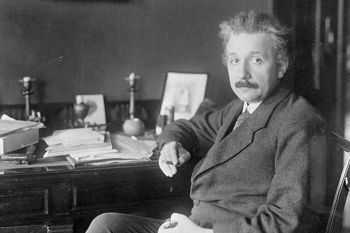 5 thói quen đã giúp Einstein thành thiên tài