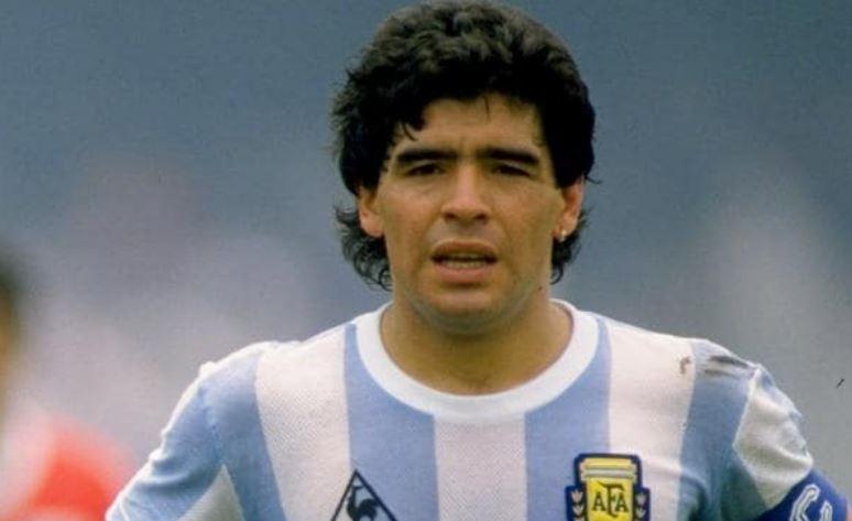 Maradona qua đời ở tuổi 60 tuổi vì đột quỵ