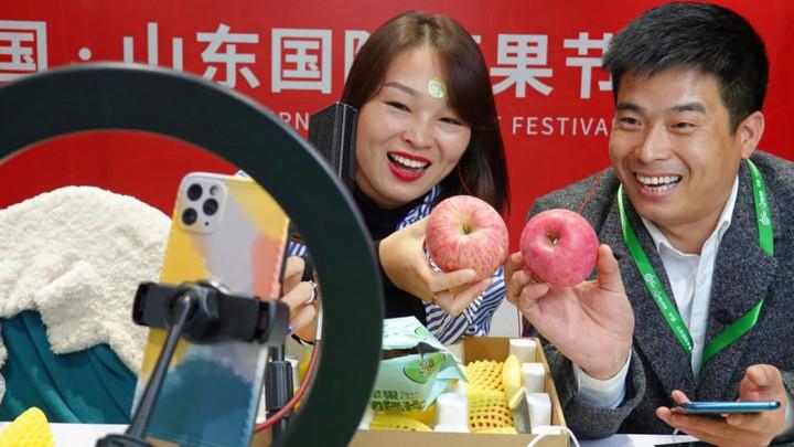 Trung Quốc yêu cầu streamer và các fan tặng quà phải đăng ký bằng tên thật