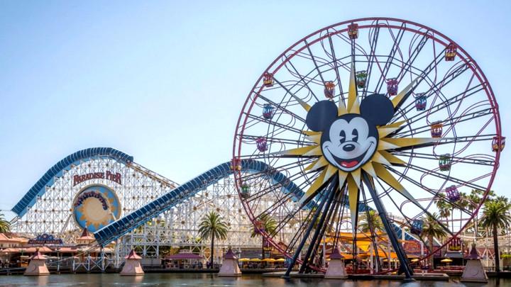 Disney sa thải 32.000 nhân viên vì ảnh hưởng của đại dịch Covid-19