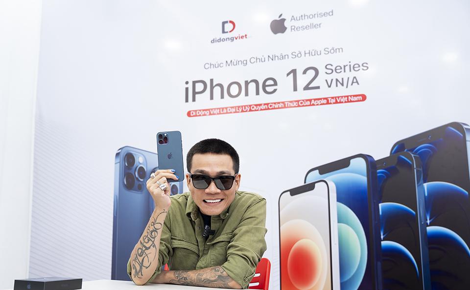 Wowy sở hữu iPhone 12 Pro Max VN/A đầu tiên tại Việt Nam