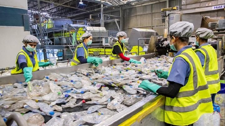 Indorama của Thái Lan đặt cược 1,5 tỷ USD vào việc tái chế nhựa