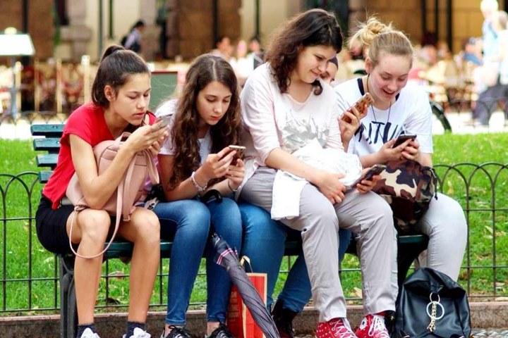 Đừng đổ lỗi smartphone cám dỗ nữa, chính bạn mới tự làm mình mất tập trung – VnReview
