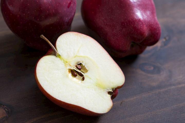 Đây mới là cách tốt nhất giúp táo không bị thâm sau khi gọt vỏ