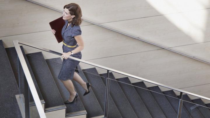 Các hoạt động hàng ngày như đi bộ, leo cầu thang,…có tác dụng tốt không kém các bài tập gym